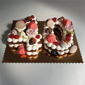 Tort cyfra dekoracja nowoczesna